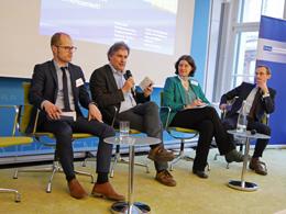 Dr. Markus Kahles, Dr. Dierk Bauknecht, Bianca Barth und Dr. Hartmut Kahl in der Diskussionsrunde.