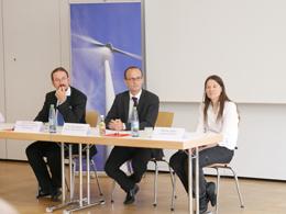 Daniel Markus (Landesamt für Umwelt Brandenburg), Dr. Nils Wegner (Stiftung Umweltenergierecht) und Monika Agatz (Landkreis Borken) in der Diskussionsrunde